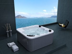 Outdoor Whirlpool: Outdoor Whirlpool Hot Tub Venedig