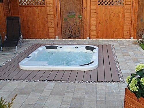 whirlpools mit hilfe einer kapp und gehrungss ge veredeln. Black Bedroom Furniture Sets. Home Design Ideas